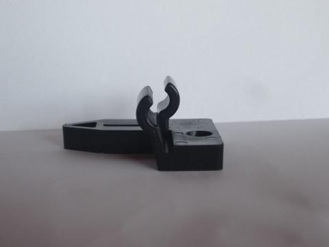Teni Verlegeclip inkl. Schraube 4,0x45 mm - Teni Verlegeclip inkl. Schraube 4,0x45 mm,  für Weichholz- und Hartholzunterkonstruktion,  6 mm Fuge, VPE: 100 Stück, bei der Verwendung einer Aluminiumkonstruktion muss  grundsätzlich vorgebohrt werden.